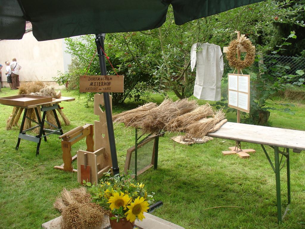 """Flachsverarbeitung - gezeigt vom """"Dorfmuseum Meierhof"""" Hattorf"""