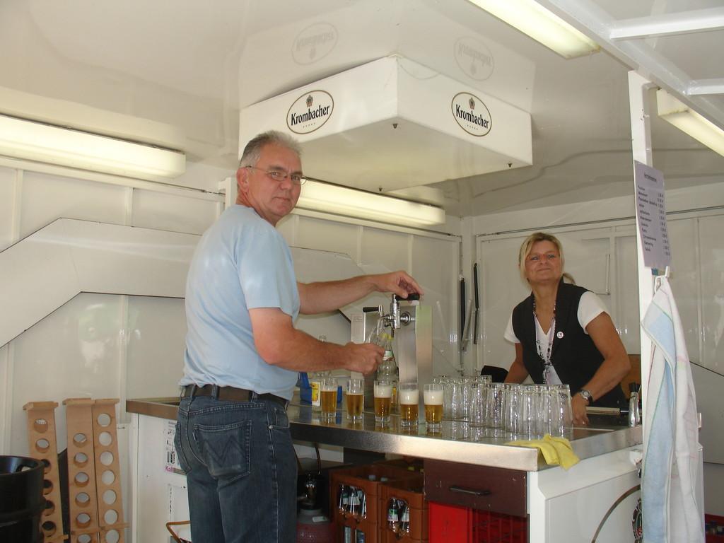 Bier und andere Getränke im Bierwagen