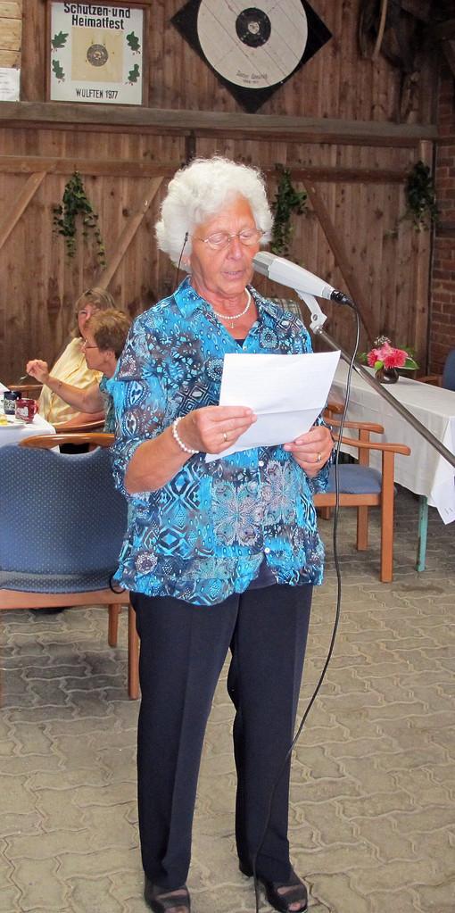 Irmgard Waßmann erzählt von der Schürze ihrer Großmutter