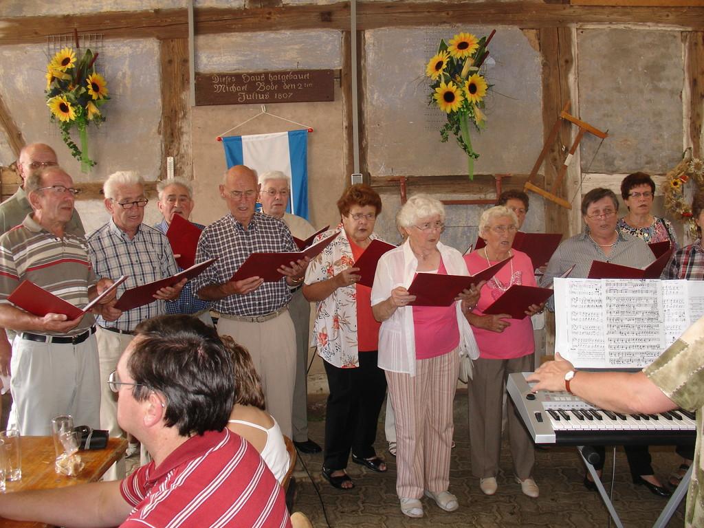 Handwerker-Bildungsverein singt fröhliche Lieder