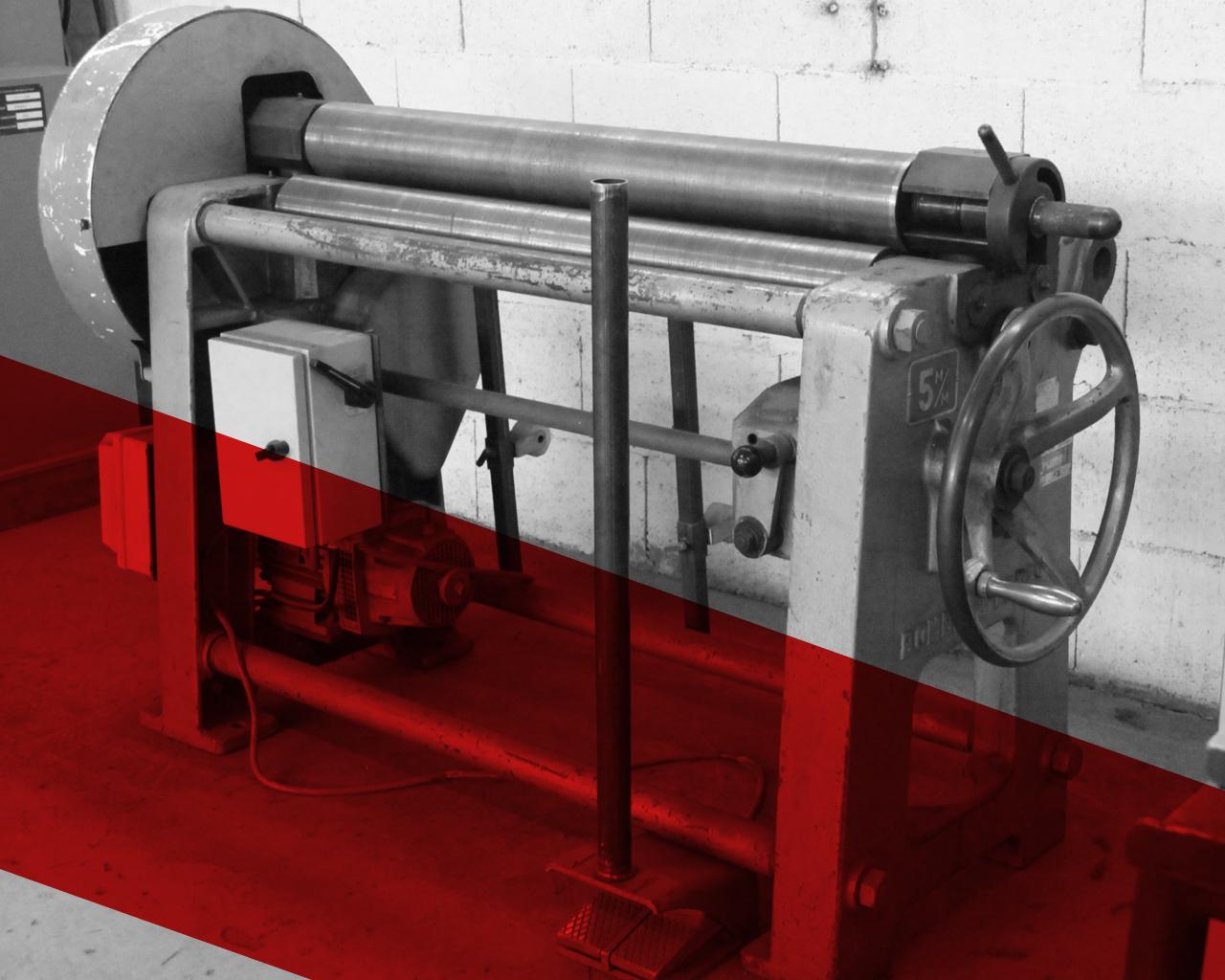 Rouleuse : capacité 5 mm sur une longueur de 1100 mm