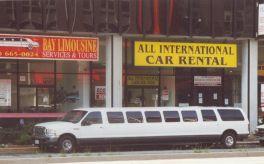 Das war Gott sei Dank nicht unser Auto. Wir hatten einen blauen Dodge Van, den wir nicht wieder hergeben wollten.