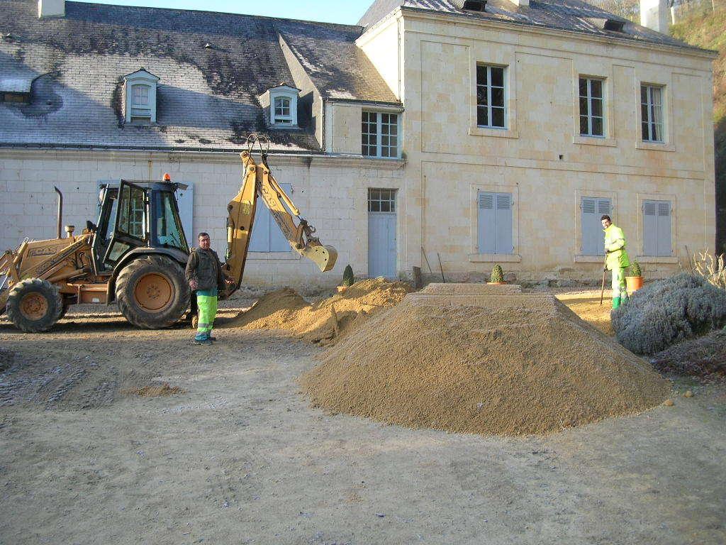 Travaux Aménagement Abords Chateau de la Roche - Gennes
