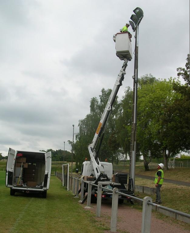 Rénovation de l'éclairage du terrain de football