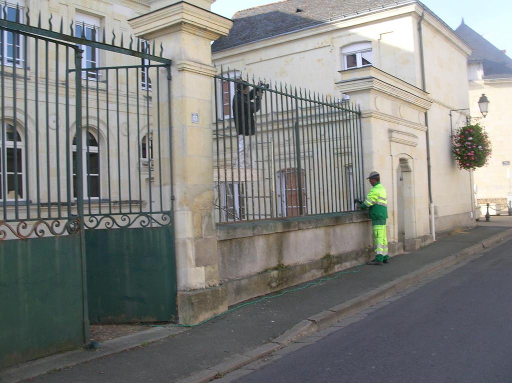 Peinture Grilles - Ancienne Mairie - Gennes