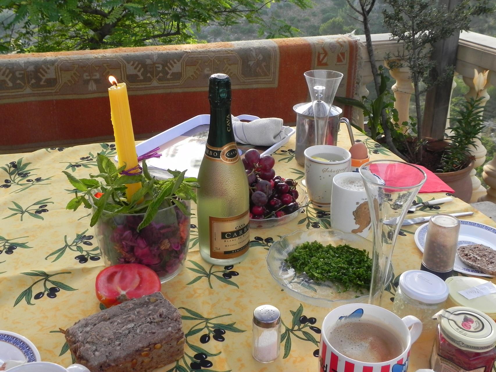 Sektfrühstück am Pool