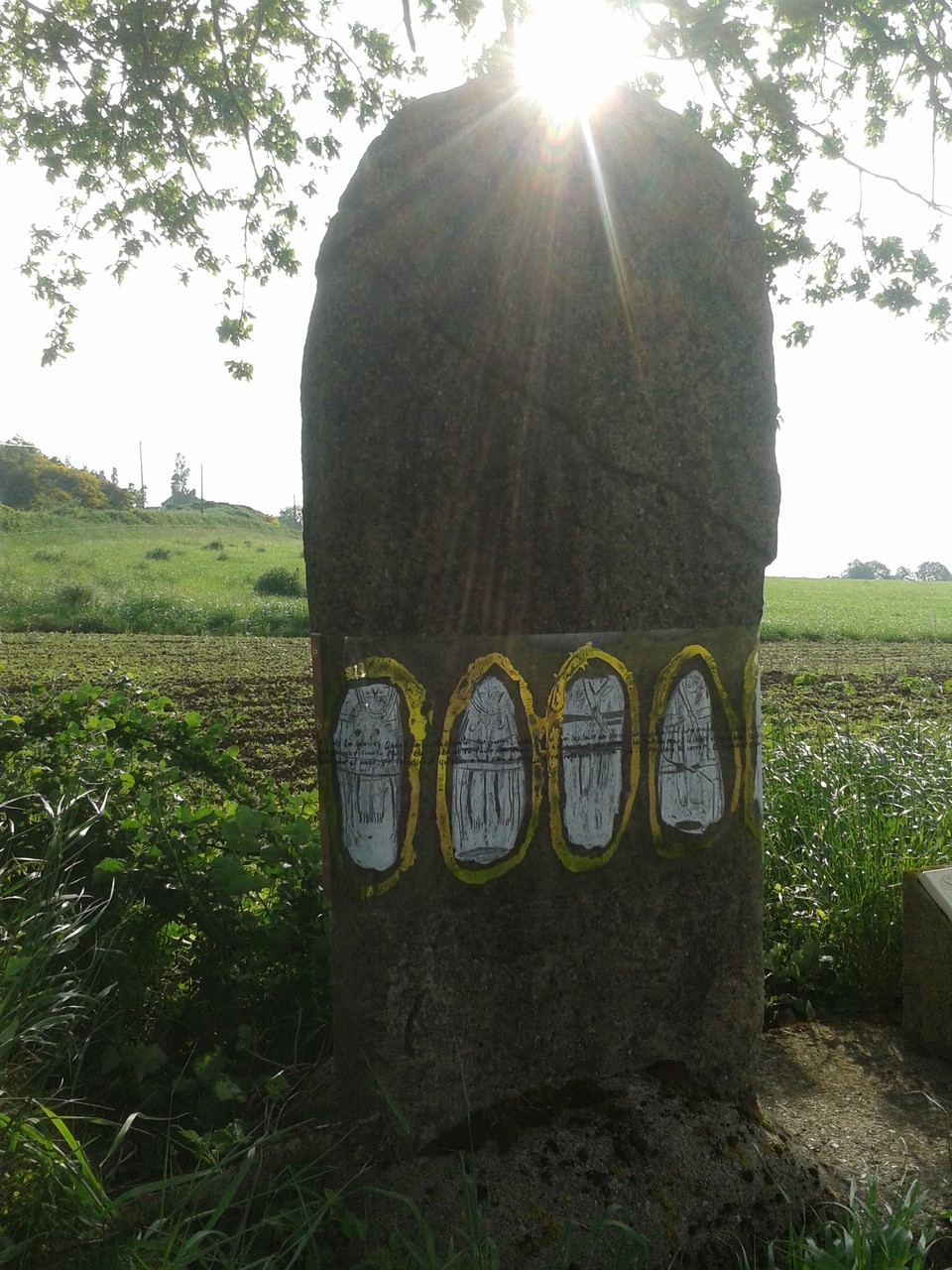 Menhir ( C. Bruyère)