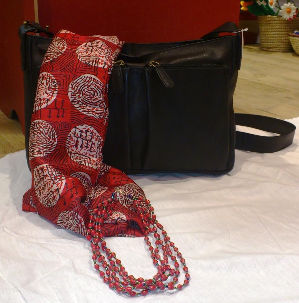 Taschen und Schmuck