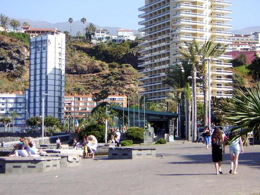 Promenade am Strand