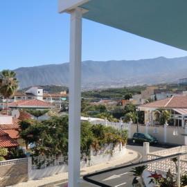 Unglaublicher Blick vom Balkon in die Berge von Teneriffa