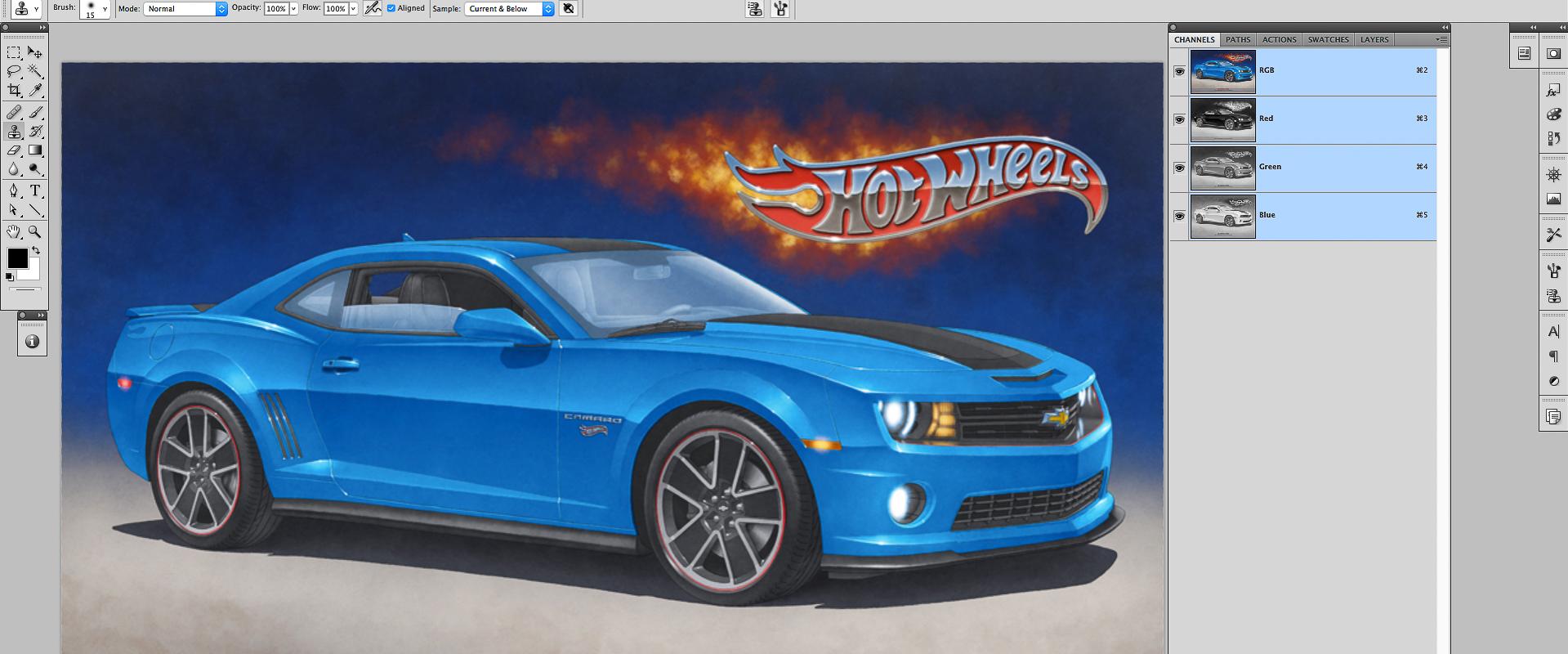 Ensuite, la couleur est appliquée à l'aide du logiciel Photoshop d'Adobe et d'une tablette graphique