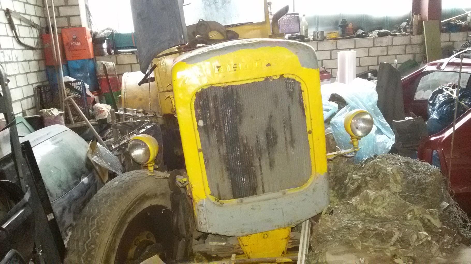 Scheunenfund: Stahldeutz BJ. 1948 F3 M417 (Januar 2015) wurde im Straßenbau eingesetzt