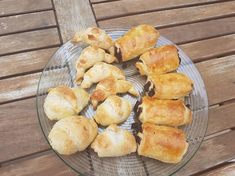 Petits croissants et pains au chocolat