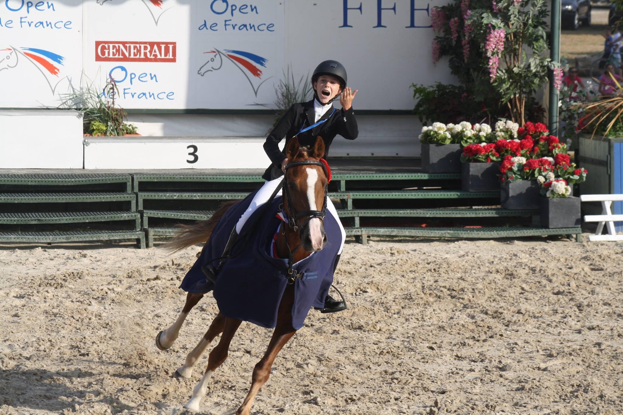 Anastasia et Maestro des Charmes (poney de club) Champion de France 2015
