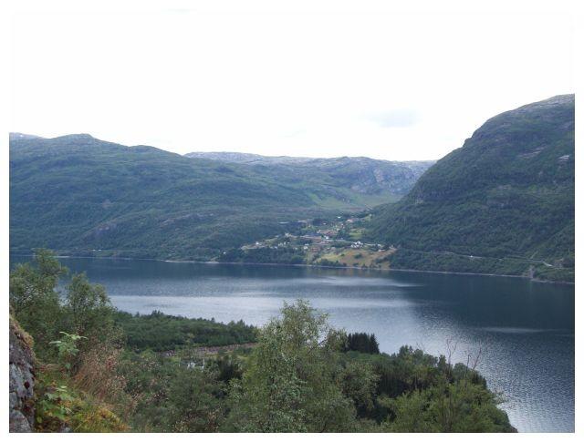 Blick ueber den See nach Håra