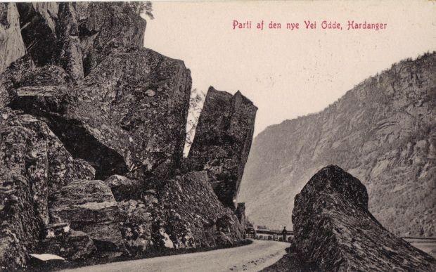 Alte Postkartenansicht den neuen Weges von Odda Richtung Låtefossen