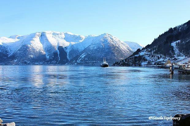 Blick auf den Fjord bei Utne..im Februar 2013