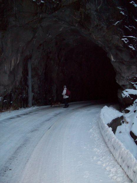 am Tunneleingang...