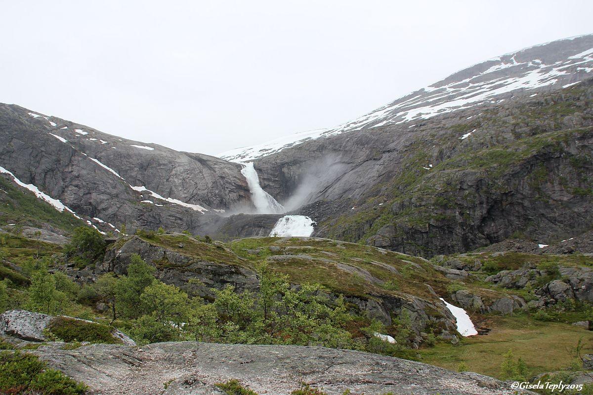 Da kommt er in Sichtweite der Søtefossen