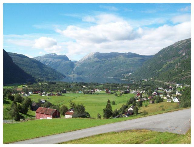 Blick ueber das Tal und Røldal