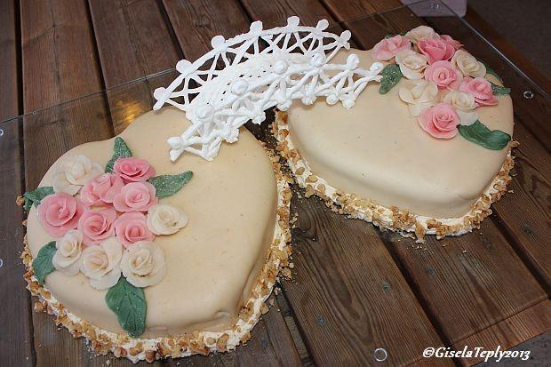 """Hochzeitstorte """"Zwei Herzen"""".."""