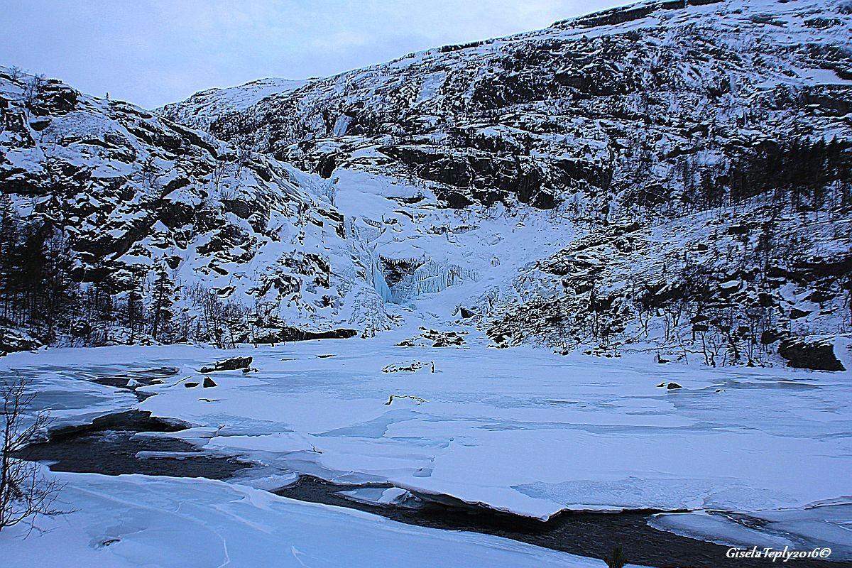 3. Wasserfall, Nykkjesøyfossen ca. 600 m.ü.M.
