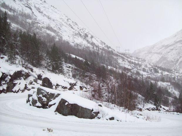 Strasse nach Skjeggedal...