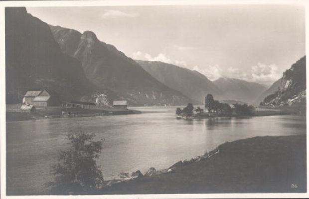 Alte Postkartenansicht ueber den Sandvinvatnet / Odda