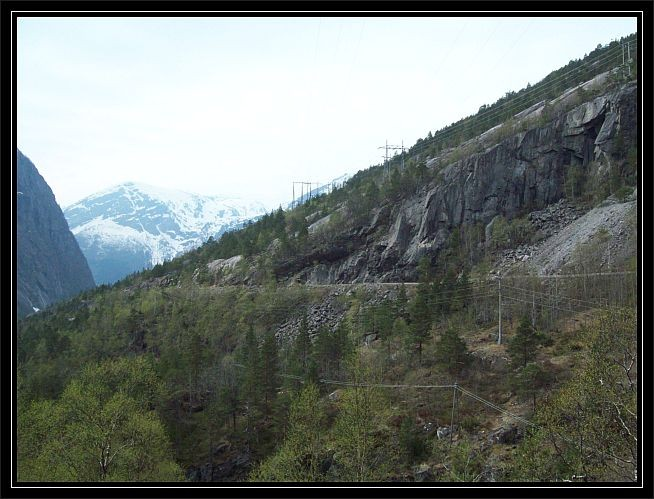 Blick auf die Strasse nach Skjeggedal