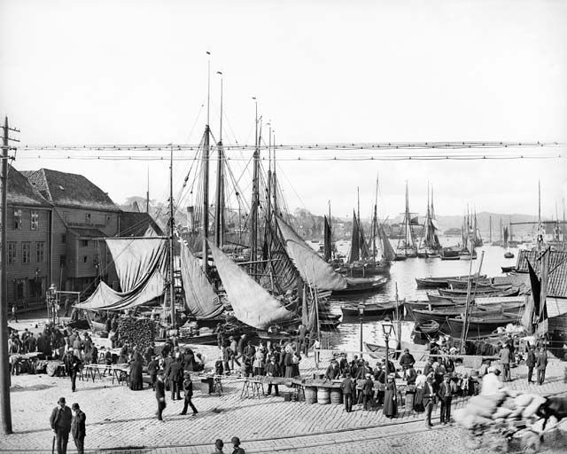 Bryggen fotografiert von Knud Knudsen