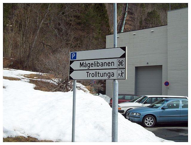 Wegweiser...in Skjeggedal