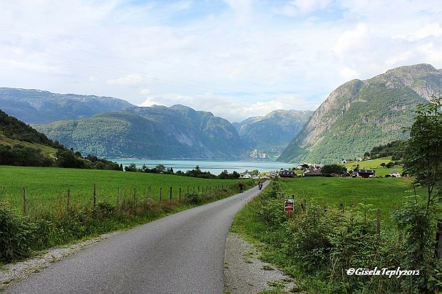 Weg von Sundal zum Parkplatz in Bondhusdalen