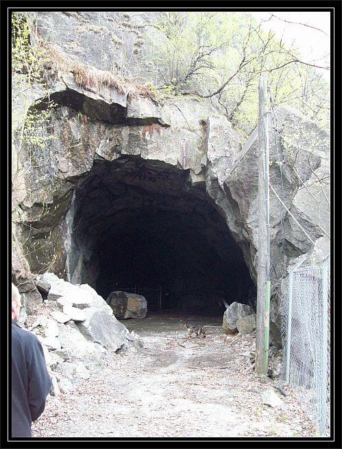 Eingang zum alten Tunnel..
