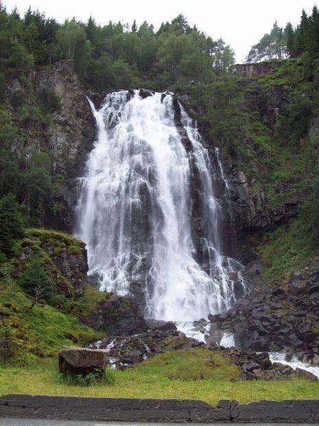 Espelandfossen, erster Wasserfall vor dem Lätefossen an der RV13