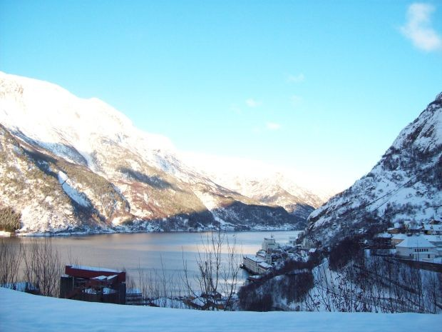 Blick ueber den Sørfjorden von Tveitaghaugen / Tyssedal aus...