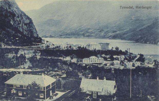 Alte Postkartenansicht von Tyssedal, Blick auf Tveitahaugen...