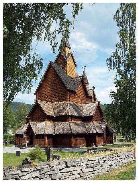 erbaut um 1250