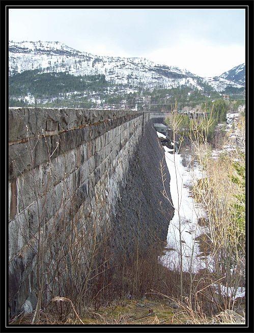 Staumauer des Ringedalsdamm