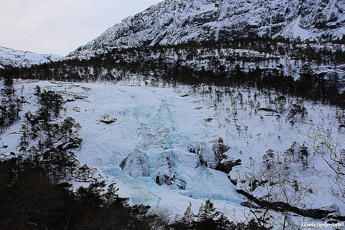 2. Wasserfall, Nyastølsfossen ca. 400 m.ü.M.