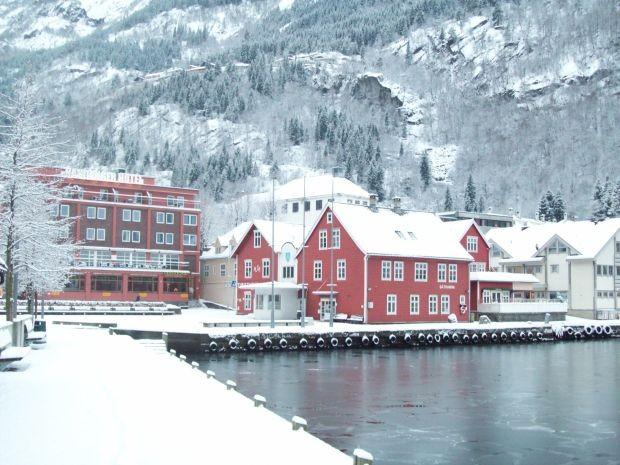 Blick auf das Hardanger Hotel in Odda am 24.12.2009