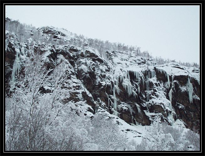 Eisige Gebilde am Berg...