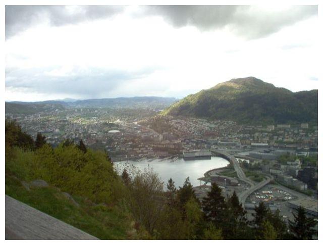 Blick vom Fløyen ueber Bergen hinweg