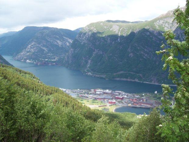 Blick auf Eitrheim...und dem Sørfjorden..