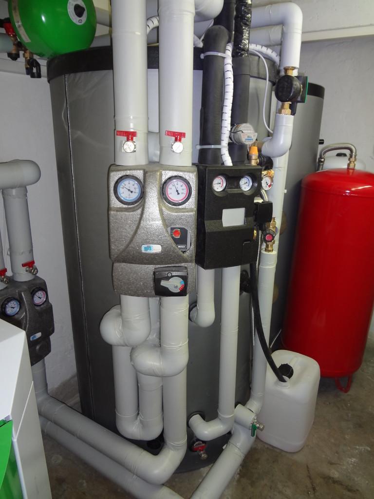 11oo Liter Schichtenspeicher mit Solar & 1 Heikreis
