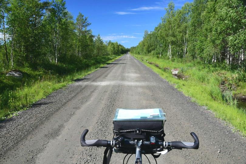 In Schweden sehen die Wälder gaaanz anders aus als in Finnland. Jedenfalls brauche ich den Genuss nicht mit dem motorisierten Verkehr teilen