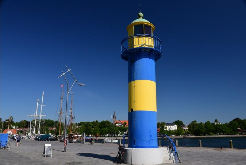 Erster Leuchtturm - es kommen garantiert noch ein paar mehr