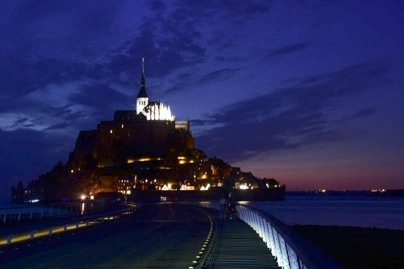 Und dann zum Ende doch noch den Mont Saint Michel bei Nacht