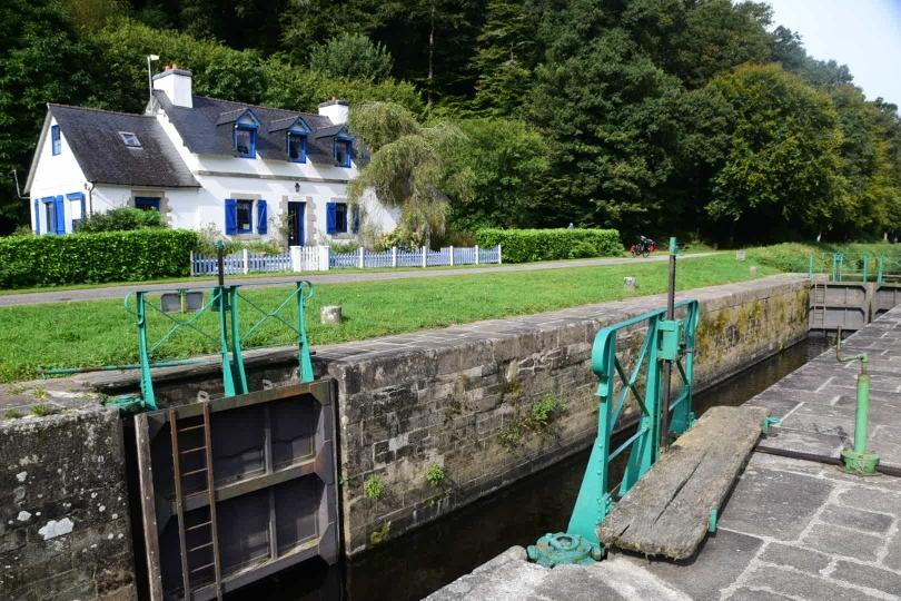 Hunderte Schleusen machten die Schifffahrt auf dem Kanal möglich und unwirtschaftlich teuer
