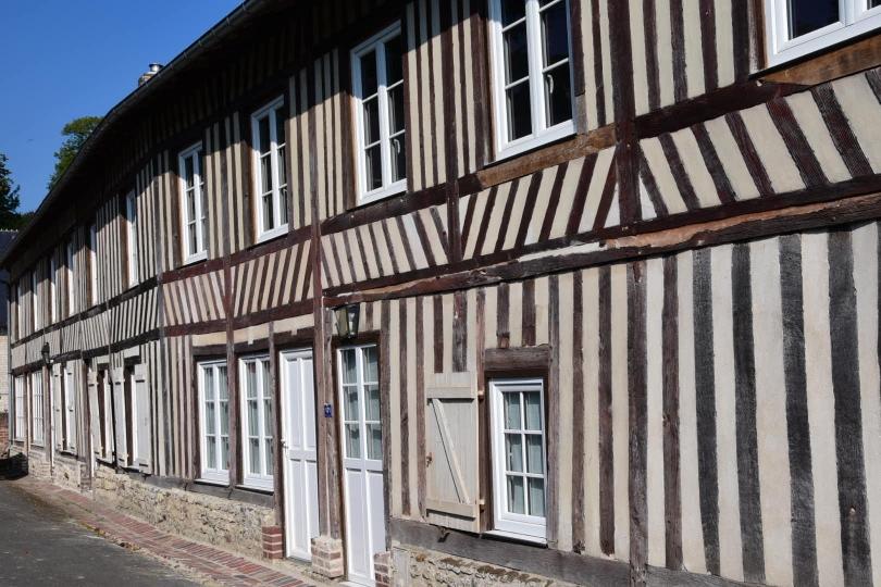 Baustile und Materialien ändern sich mit dem, was die Gegend so zu bieten hat bzw. hatte