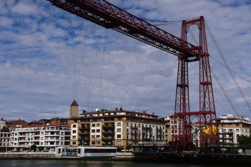Mit der Schwebefähre geht es sehr entspannt über den Fluss und damit verabschiede ich mich von Bilbao